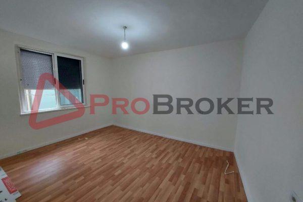 Apartament 2+1   Ne Shitje   Tek Selvia / Prane Gjimnazit Partizani