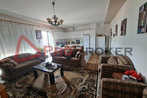 Apartament 2+1   Ne Shitje   Tek Xhamlliku / Sheshi Shtraus