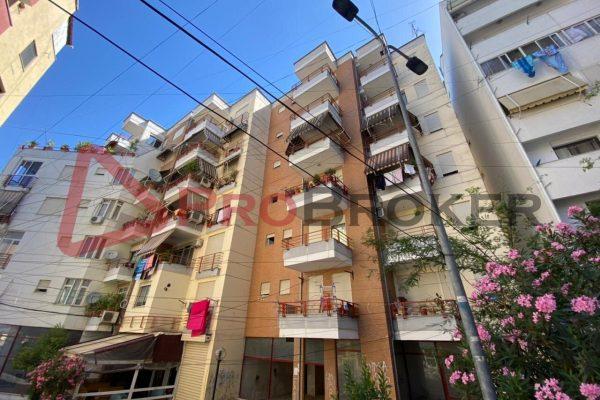 Apartament 1+1 | Ne Shitje | Rr. Petro Nini Luarasi / Tregu Elektrik