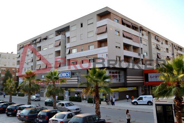 "Apartament 2+1 | Ne Shitje | Komuna e Parisit / ""Kristal Center"""