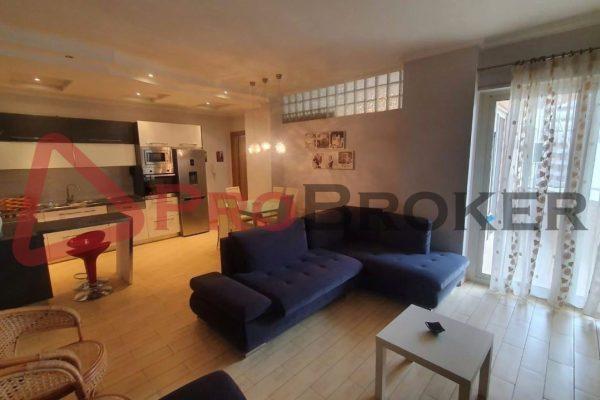 Apartament 2+1 | Ne Shitje | Rr. Qemal Stafa / Pazari i Ri