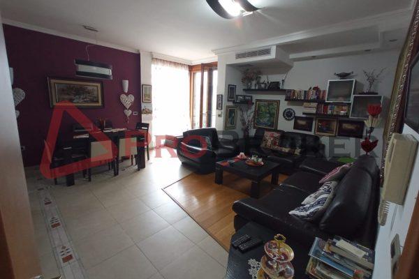 Apartament 3+1 | Me Qira | Rr. Sami Frasheri / Prane LSI